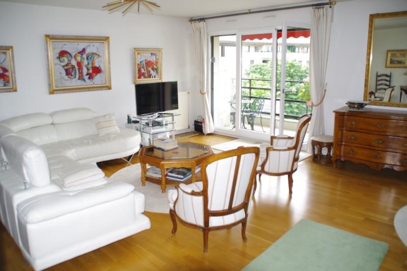 vente appartement rueil malmaison 92 habitat adapt. Black Bedroom Furniture Sets. Home Design Ideas